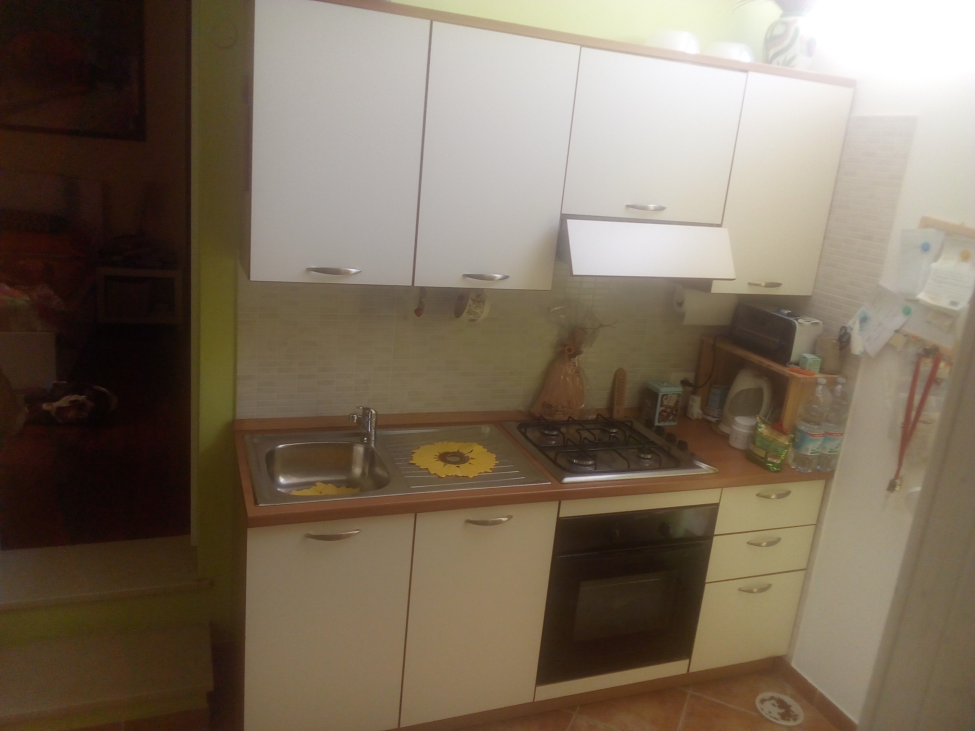 Cucina completa di elettrodomestici