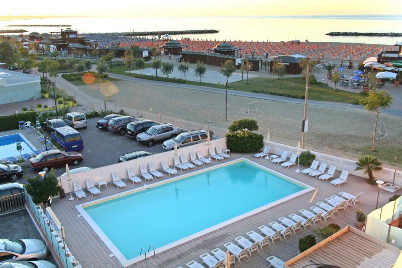 Hotel nuovo belvedere a san giuliano rimini - Hotel nuovo giardino rimini ...