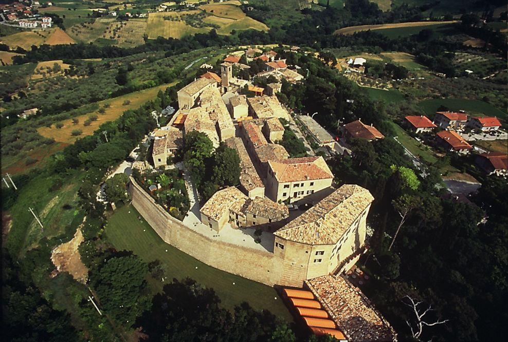 Montegridolfo, tra i Borghi più Belli d' Italia