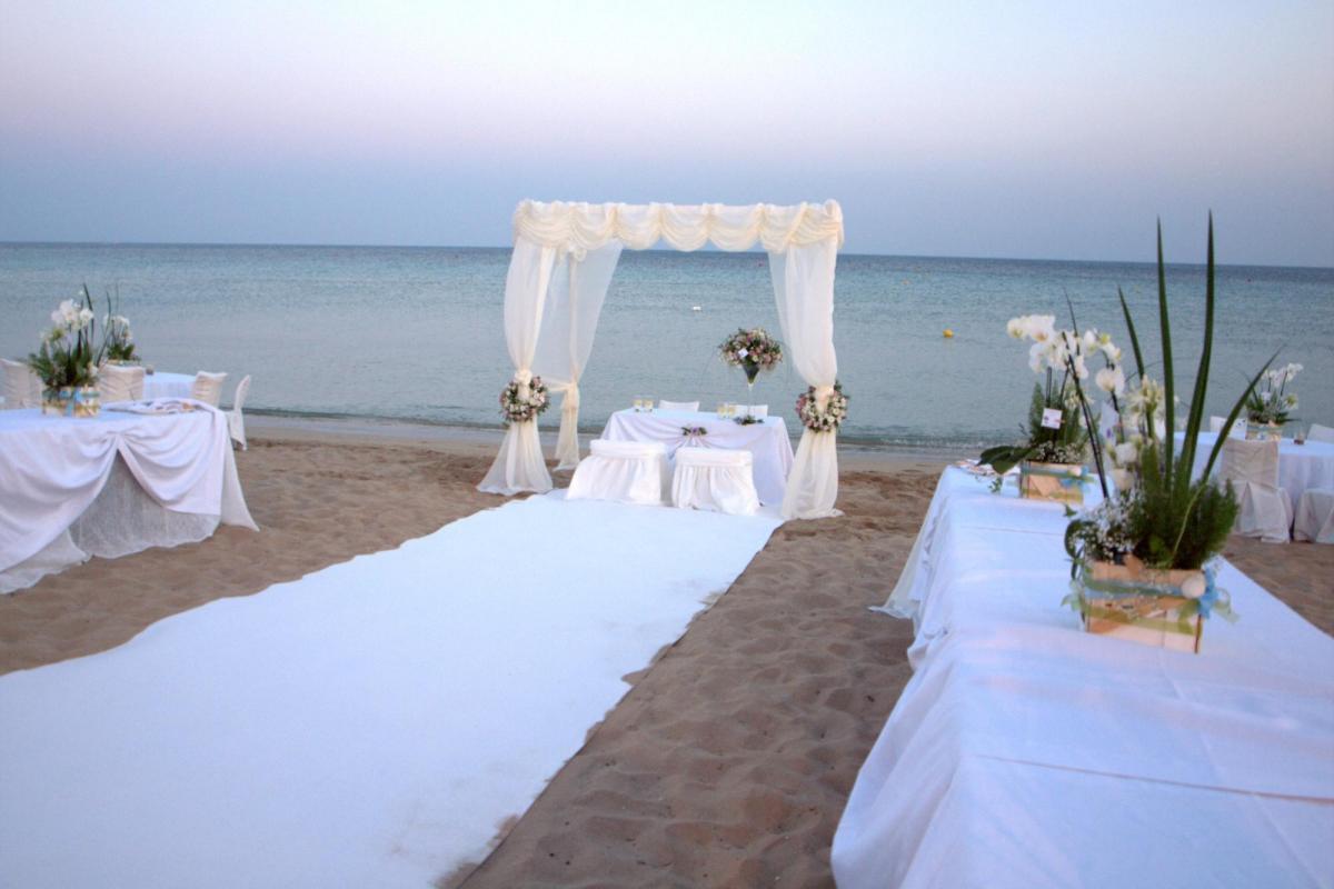 Matrimonio In Spiaggia Rimini : Matrimoni in spiaggia a riccione