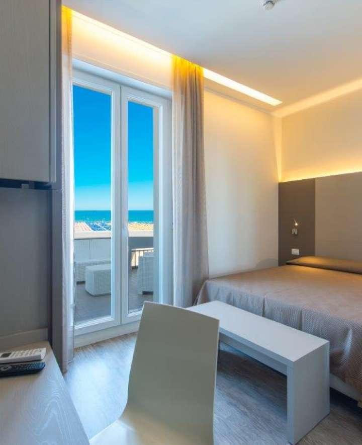 hotel a rimini in riviera romagnola prenota prima e risparmia