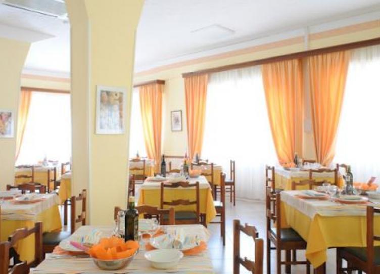 Hotel 3 stelle Viserbella di Rimini pensione completa