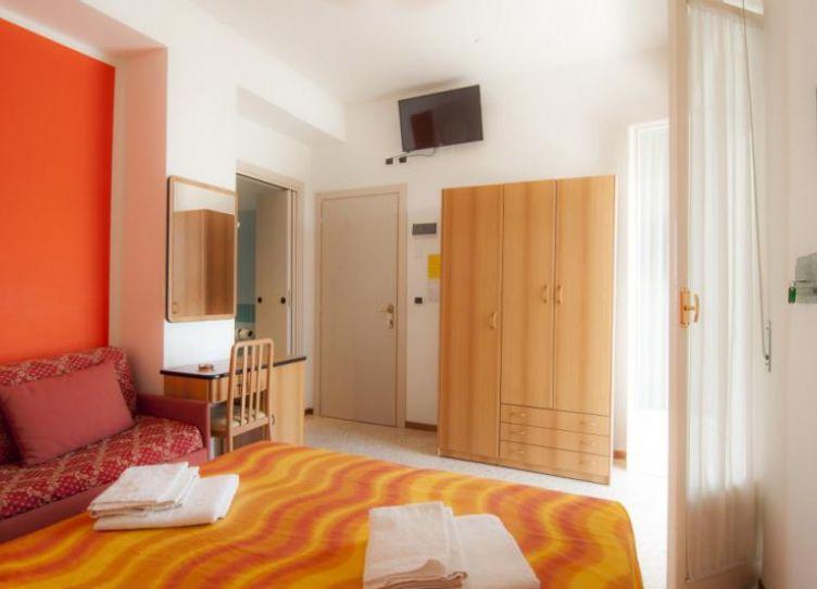stanze per 4 persone con letto a castello o divano!