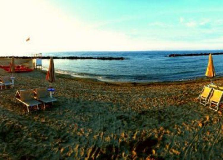il tramonto sul mare è solo uno dei tanti momenti da godersi a Rivabella