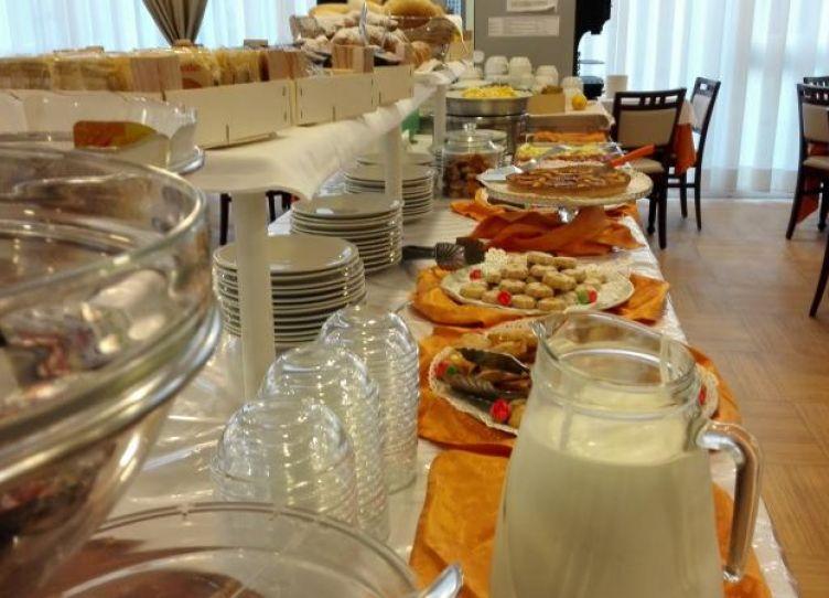 hotel 3 stelle rimini colazione inclusa
