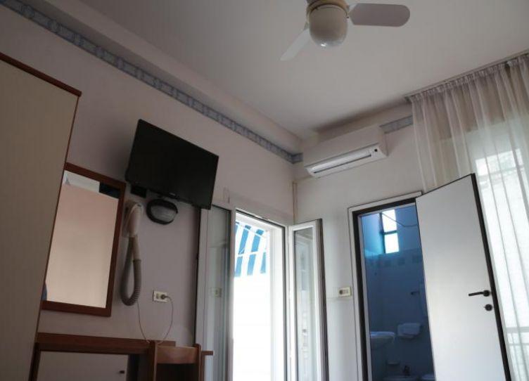 hotel cattolica con aria condizionata