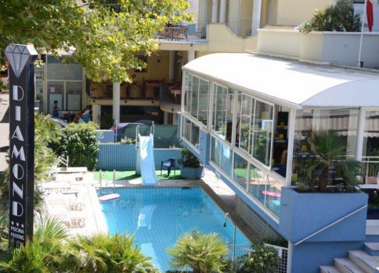 Hotel Diamond_Piscina