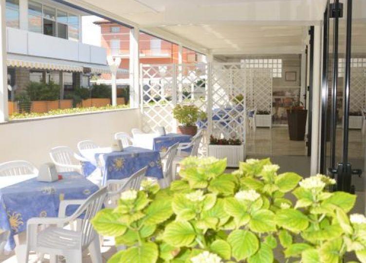 Hotel Karin Rimini Esterno