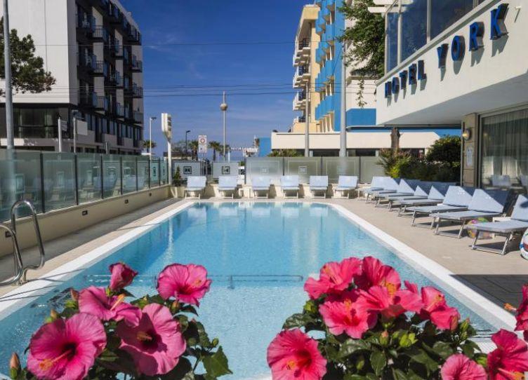 Hotel York_La piscina