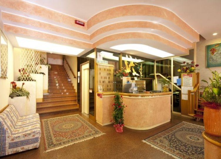 Hotel Colorado_Hall