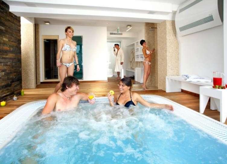 hotel rimini con idromassaggio