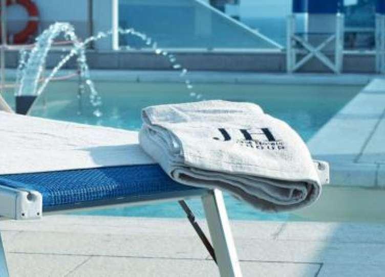 hotel riccione con solarium e piscina