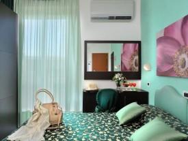 Hotel 3 stelle Marebello camere con balcone