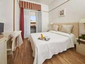 hotel 4 stelle rimini camera con balcone