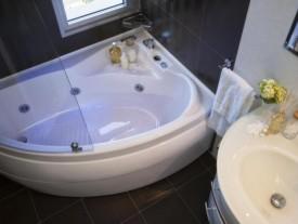 Hotel 3 stelle a Rivazzurra di Rimini con vasca idromassaggio