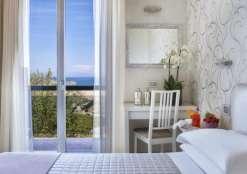 Hotel 3 stelle a Rivazzurra di Rimini con offerte all inclusive