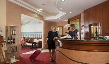 hotel 3 stelle a bellaria parcheggio gratuito