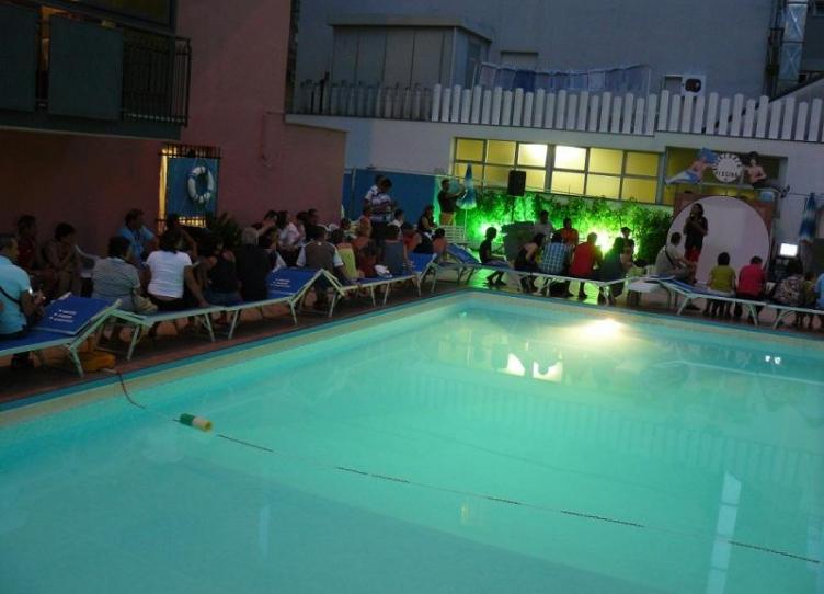 hotel 3 stelle a rivazzurra con piscina esterna
