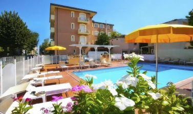 appartamenti vacanza a rimini con piscina