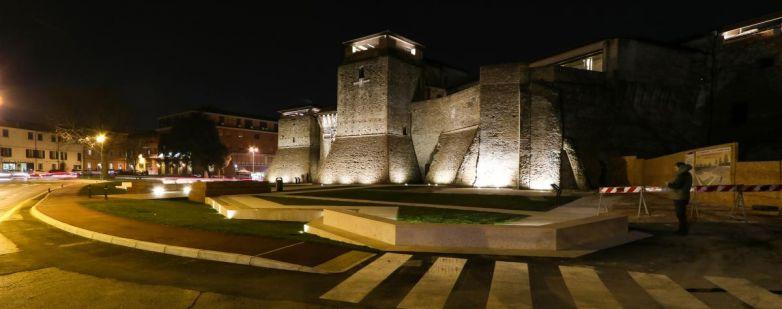Castel Sismondo - Notturna - Lato corte mare - 2018