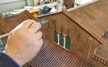 Miniaturisti al lavoro