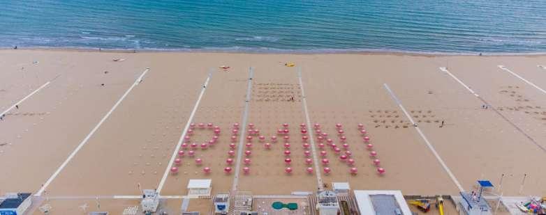 Rimini con gli ombrelloni