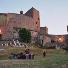 Rocca di Luna 2011: musica, teatro, artisti di strada, mercatini, osterie