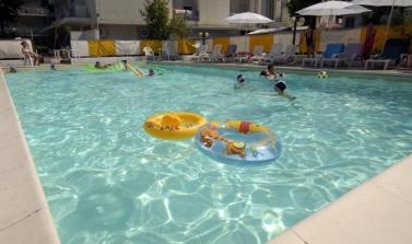 hotel-3-stelle-rimini-con-parcheggio-offerta-ponte-2-giugno