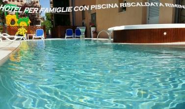 Ponte 25 Aprile a Rimini [Hotel con piscina + Parchi]
