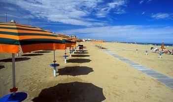 Offerta a rimini in hotel vicino al mare [pensione completa]