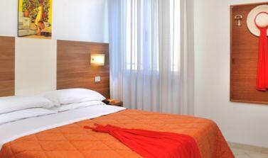 hotel tiberius 25 aprile