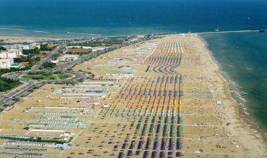Offerta Hotel a Rimini a luglio a 100 metri dal parco Fiabilandia